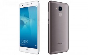 Смартфон Honor-5C-front-and-back-