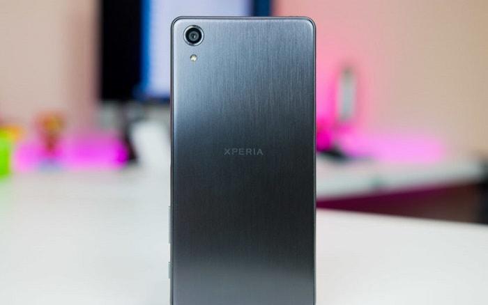 Телефон Xperia X Performance компании Sony