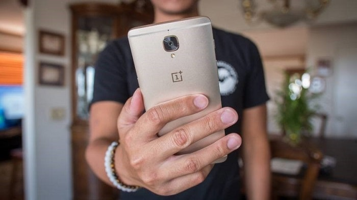 Смартфон компании OnePlus