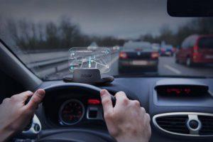Смартфон android-authority-roav-driving