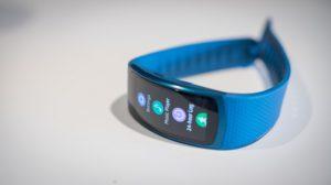 Смарт-часы Samsung Gear Fit 2