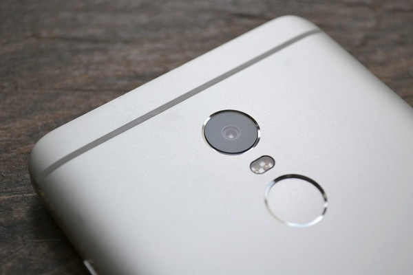 Камера смартфона redmi-note-4x-soongeektimespostimages62abd2ee262abd2ee29ac861f13973fac1e3665f0-600x400